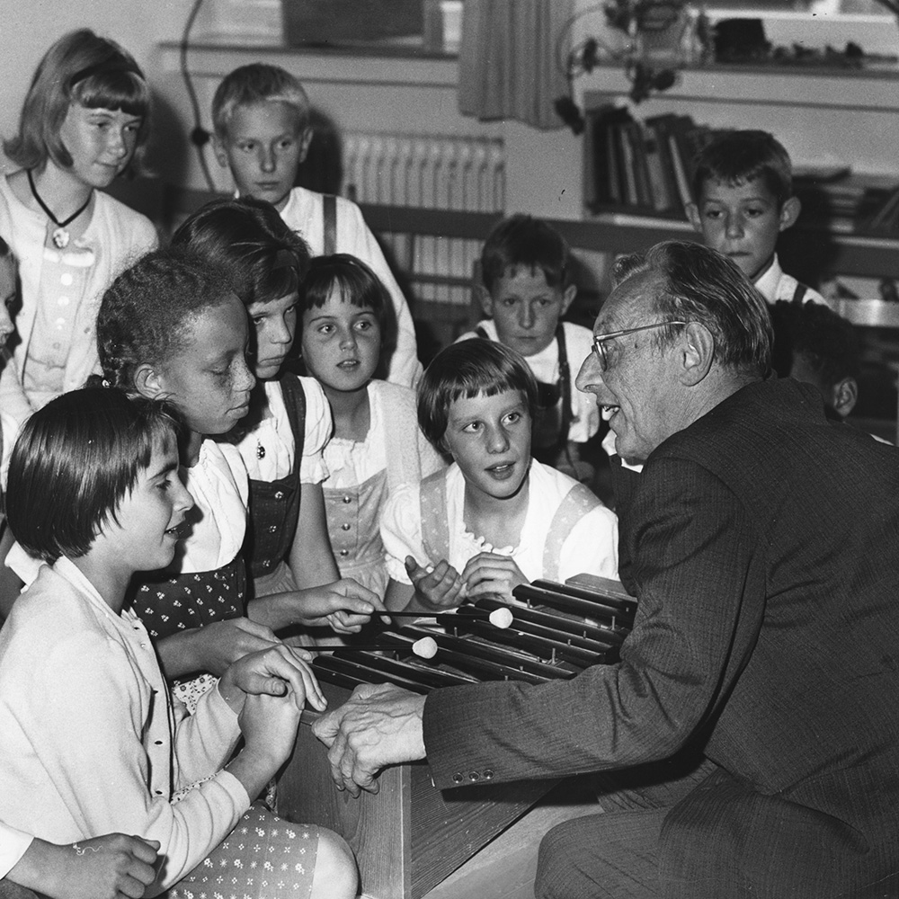 (Carl Orff in the SOS Children's Village Dießen 1964)